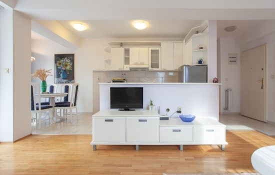 Urban Star Apartment - Living room, kitchen and dining area