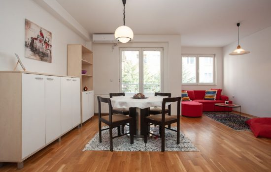 Urban Red Apartment - Living room, in room dining