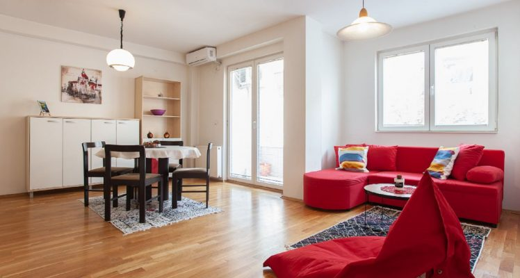 Urban Red Apartment – Living room, in room dining