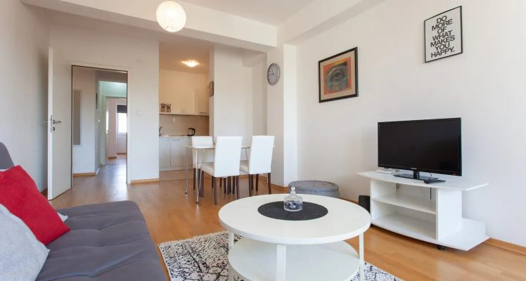 Urban Space Apartment – Living room, kitchen and dining area